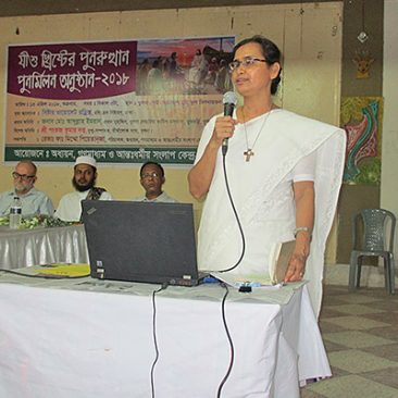 Sister Violet Rodrigues gives presentation about her faith in Bangladesh