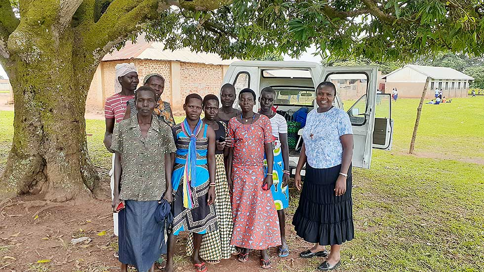 Fruits-of-Holy-Cross-Gulu-Embroidery-project-group